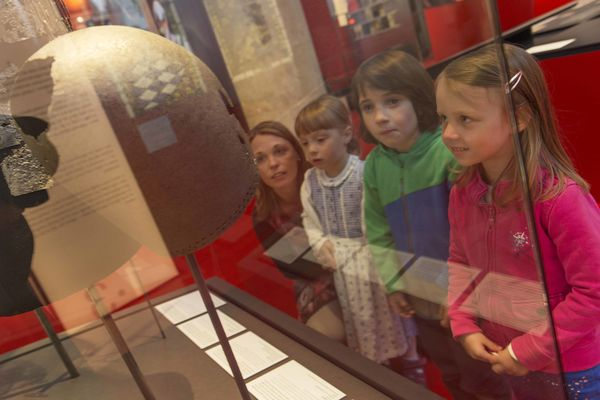 Guided children's tour at the museum