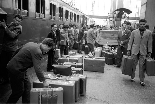 Guest workers arriving at Munich Central Station